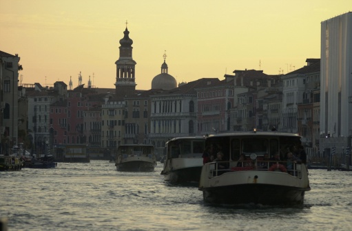 Passenger「Passenger boats moving in a canal in Venice, Italy」:スマホ壁紙(10)