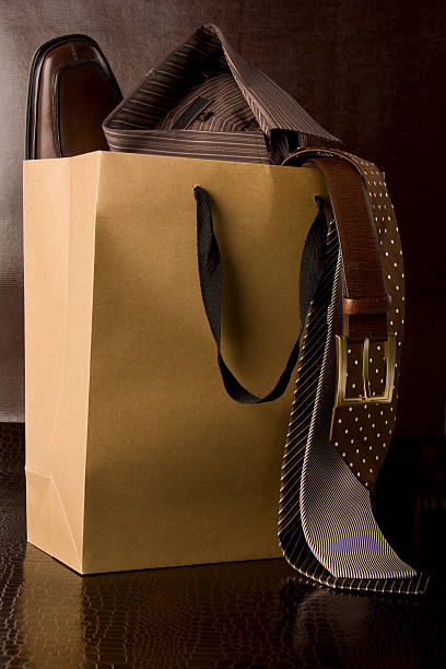 Shopping bag of men's accessories:スマホ壁紙(壁紙.com)