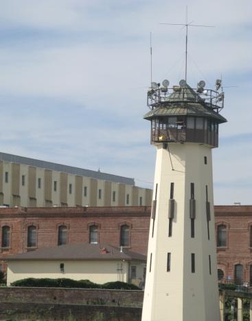 Watching「Prison Guard Watch Lookout Tower San Quentin  California」:スマホ壁紙(13)