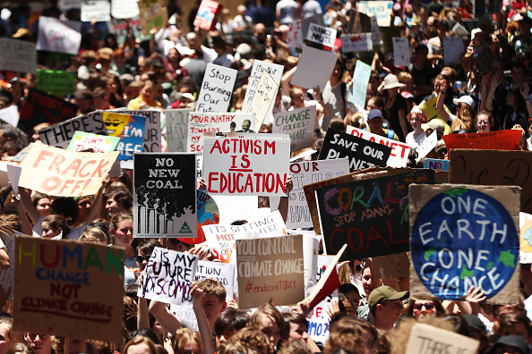 Motion「Students Walk Out Of School To Urge Action On Climate Change」:写真・画像(17)[壁紙.com]
