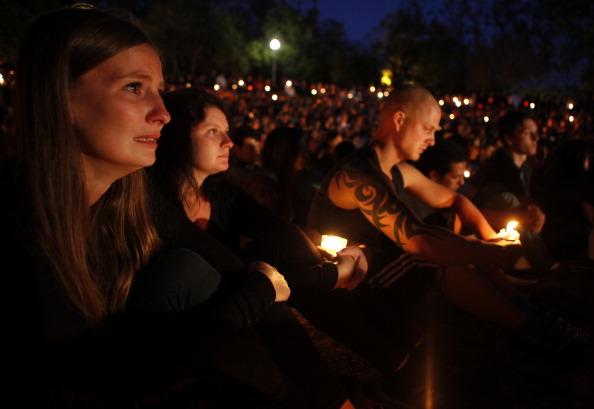 University「Shooting Rampage In Santa Barbara Leaves Seven Dead」:写真・画像(7)[壁紙.com]