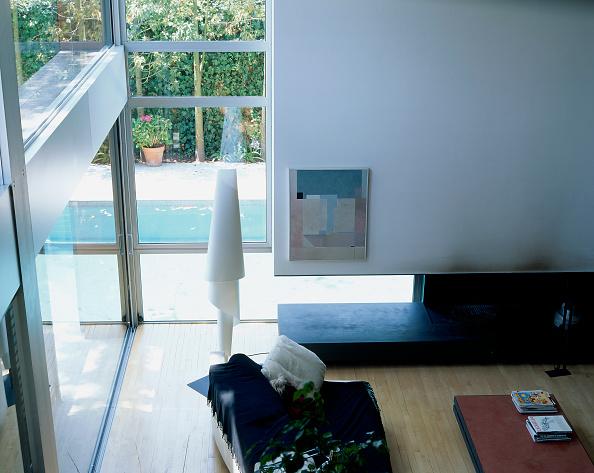 Sofa「Partial view of a living room」:写真・画像(12)[壁紙.com]