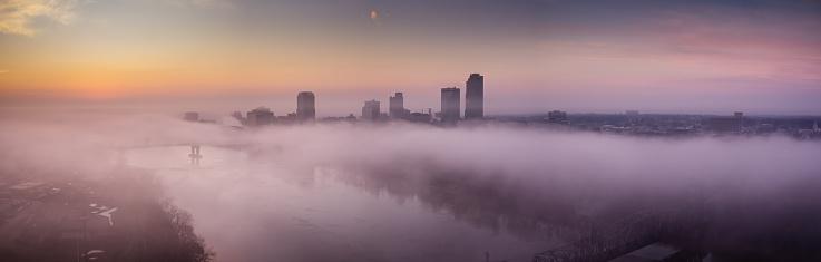 Arkansas River「Little Rock Skyline Peeking Over Morning Fog on Arkansas River - Aerial Panorama」:スマホ壁紙(19)
