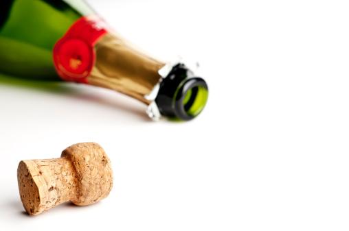 お正月「シャンパン」:スマホ壁紙(10)