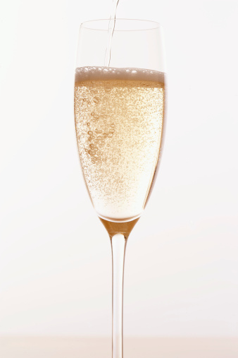 Champagne Flute「Champagne pouring into glass」:スマホ壁紙(13)