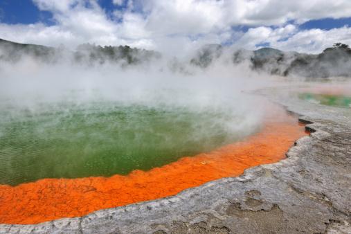 Lava「Champagne Pool, Thermal Wonderland, New Zealand (XXXL)」:スマホ壁紙(3)