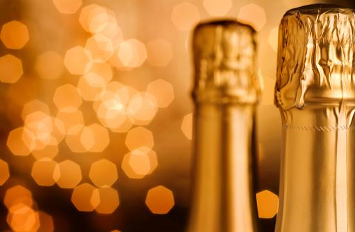 お正月「シャンパン」:スマホ壁紙(17)