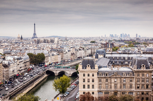 Arch - Architectural Feature「Th city of Paris on a grey day.」:スマホ壁紙(19)