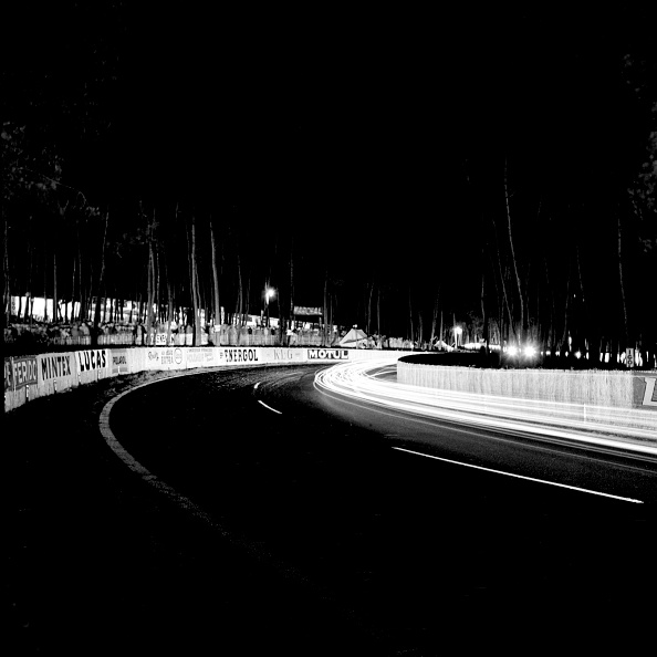 Sports Track「Night At Le Mans」:写真・画像(2)[壁紙.com]