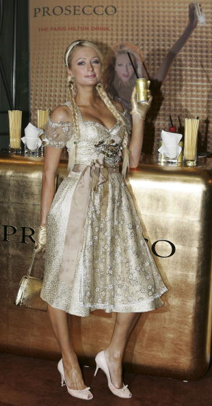 Gold Purse「Paris Hilton Advertises Canned Prosecco」:写真・画像(15)[壁紙.com]