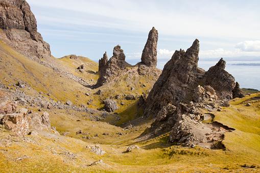 Basalt「The Old Man of Storr on the Trotternish Peninsular, Isle of Skye, Scotland, UK.」:スマホ壁紙(4)