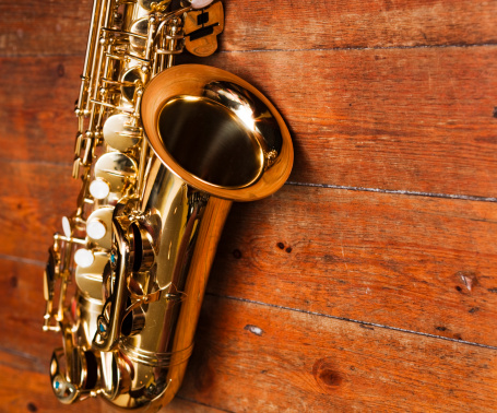 Country and Western Music「Golden sax against heavily grained wood」:スマホ壁紙(2)