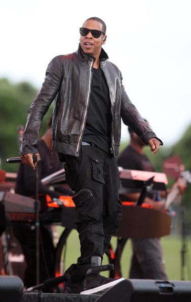 Leather Jacket「U2 & Jay-Z Perform In Auckland」:写真・画像(18)[壁紙.com]