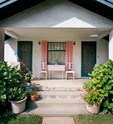 Charming「A unique green and pink house」:スマホ壁紙(10)