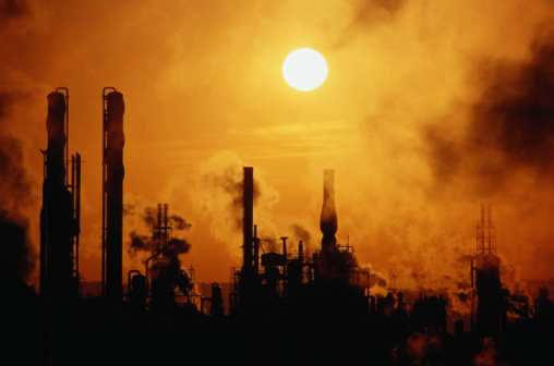 Emitting「Chemical plant silhouetted at sunset」:スマホ壁紙(5)