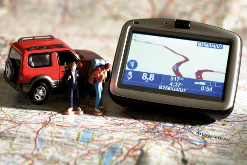 Passenger「Navigation instrument, figurines and motorcar on a map」:スマホ壁紙(18)