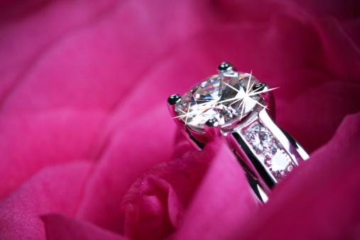 バレンタイン「ダイヤモンドの指輪」:スマホ壁紙(16)