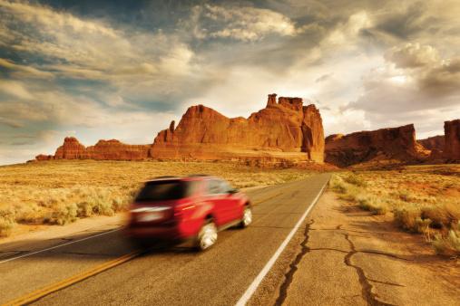探求「ツアーは、アメリカ南西部のアーチーズ国立公園」:スマホ壁紙(14)