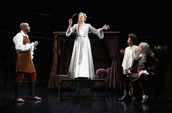 エンタメ総合「'Queen Anne' Photocall At Theatre Royal」:写真・画像(3)[壁紙.com]