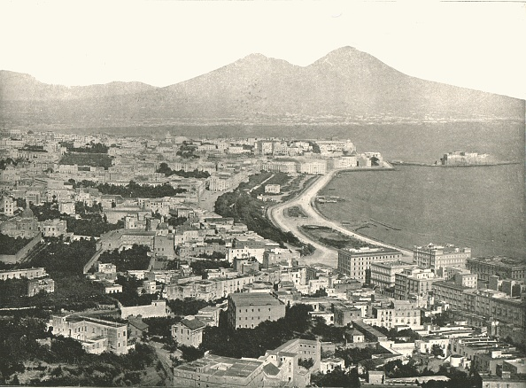 Volcanic Landscape「The City」:写真・画像(11)[壁紙.com]