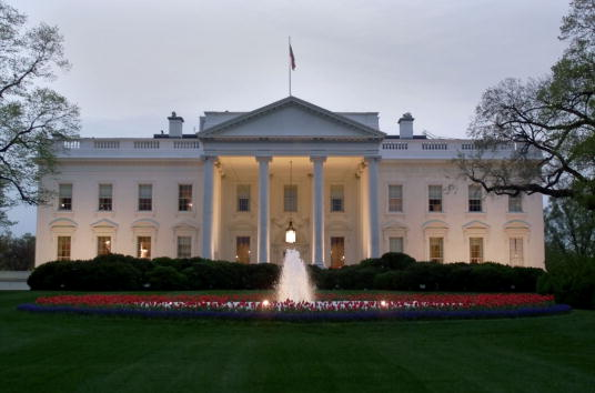 White House - Washington DC「The White House at Dusk」:写真・画像(17)[壁紙.com]