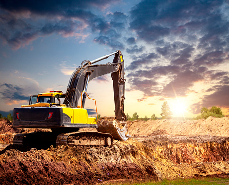 Construction Vehicle「Excavator at the construction site in the evening.」:スマホ壁紙(13)