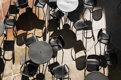 Town Square「Outdoor tables and chairs, overhead view」:スマホ壁紙(0)