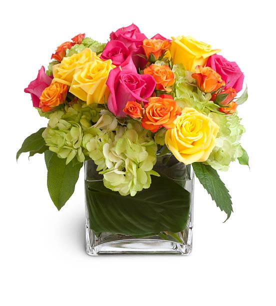 カラフルなフラワーアレンジメントでスクエア型ガラスの花瓶:スマホ壁紙(壁紙.com)