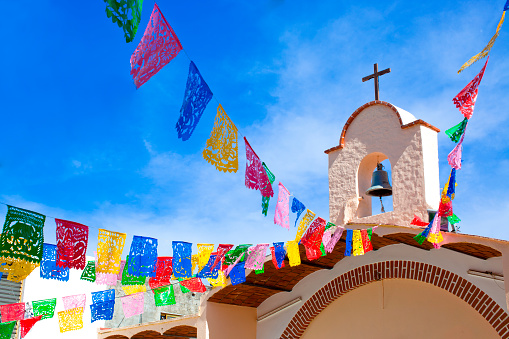 Sayulita「Colorful flags decorating church」:スマホ壁紙(3)