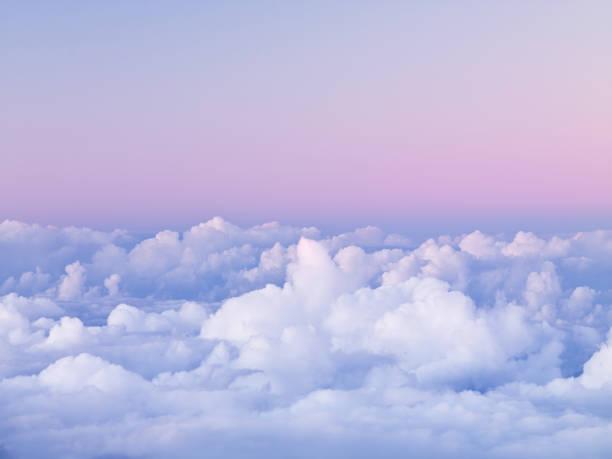 First Light on Clouds over Haleakala National Park:スマホ壁紙(壁紙.com)