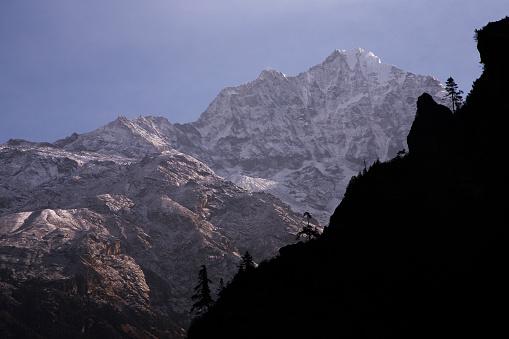 Khumbu「First light on Himalayan peaks, Everest Base Camp Trek, Nepal」:スマホ壁紙(19)