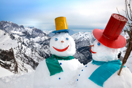 雪だるま「雪だるまの山々」:スマホ壁紙(17)