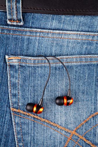 Belt「Earphones in a denim jeans pocket」:スマホ壁紙(6)