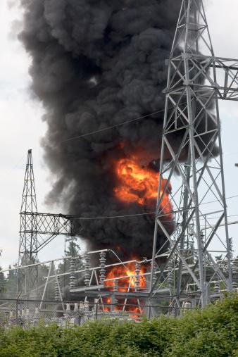 Fireball「Blazing fire at electrical substation」:スマホ壁紙(3)