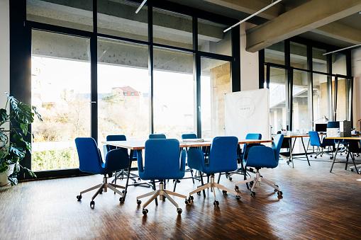 Meeting「Modern Loft Office Space」:スマホ壁紙(18)