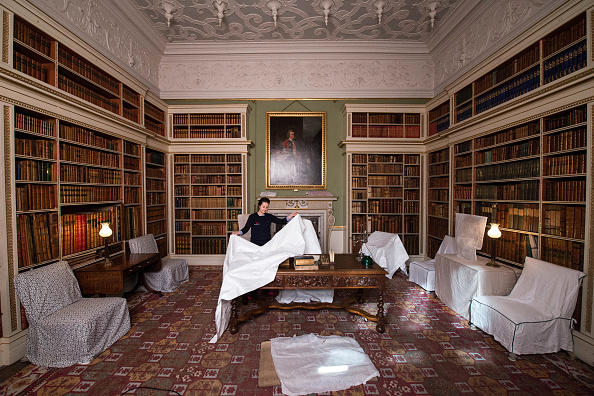 Dust「Spring Cleaning Takes Place At English Heritage Properties Around The UK」:写真・画像(16)[壁紙.com]