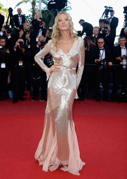 メタリックドレス「'Behind The Candelabra' Premiere - The 66th Annual Cannes Film Festival」:写真・画像(4)[壁紙.com]
