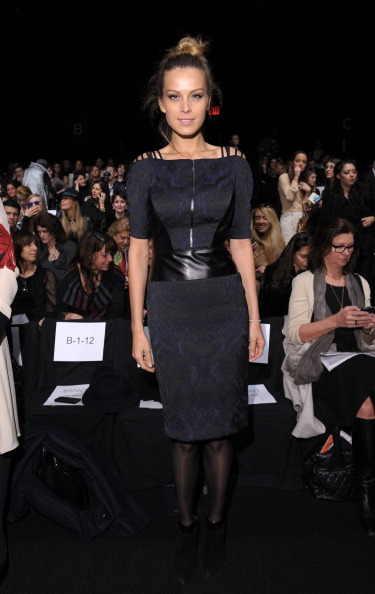 Black Shoe「Badgley Mischka - Front Row - Fall 2013 Mercedes-Benz Fashion Week」:写真・画像(0)[壁紙.com]