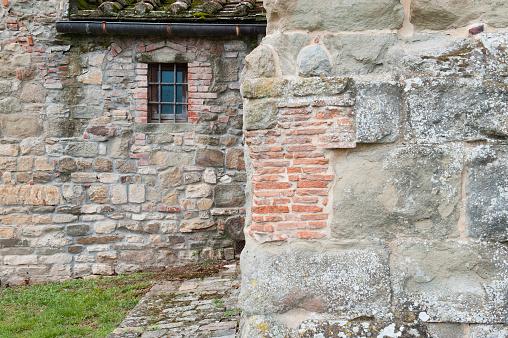 Obsolete「Old masonry of the roman church in Pieve di Romena near Stia, Tuscany, Italy」:スマホ壁紙(5)