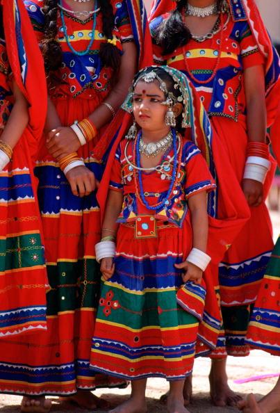 Ornate「Girls National Costume, Calcutta, India」:写真・画像(4)[壁紙.com]