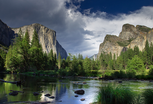 National Park「Dramatic Sky Over El Capitan, Yosemite National Park」:スマホ壁紙(12)