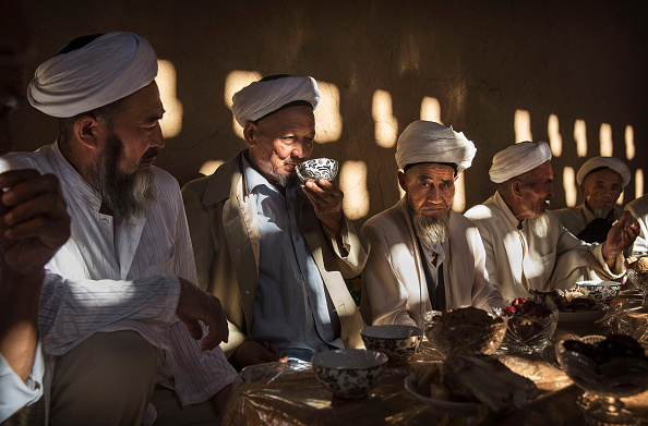 People「China's Uyghur Minority Marks Muslim Holiday In Country's Far West」:写真・画像(10)[壁紙.com]