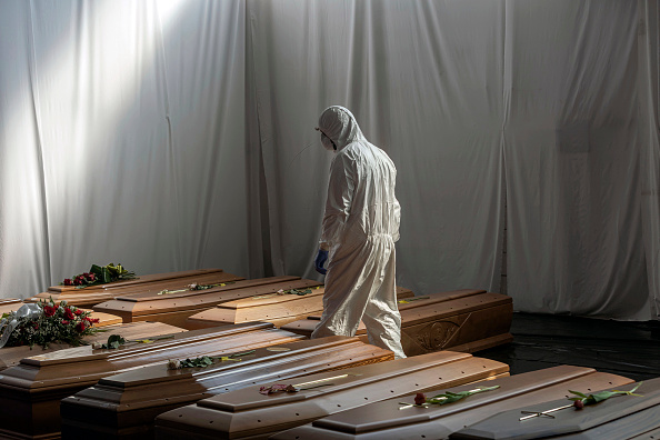 Coffin「Bergamo Is Post-Peak, But Still Climbing Out Of Coronavirus Crisis」:写真・画像(0)[壁紙.com]