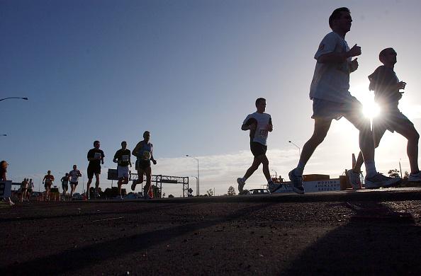 Jogging「Cometitors Enjoy Ideal Conditions As They Run Down」:写真・画像(19)[壁紙.com]