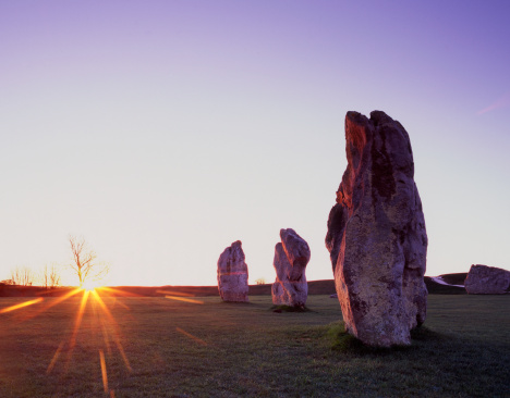 UNESCO World Heritage Site「Standing Stones at Avebury at sunrise on the Vernal (Spring) Equinox, designated a UNESCO World Heritage Site, the purpose of the ancient obelisks remains an enigma」:スマホ壁紙(9)