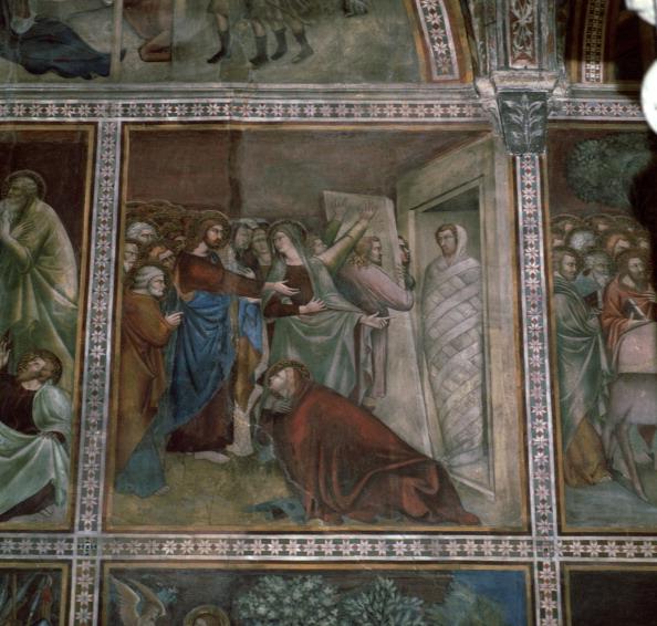 San Gimignano「Fresco of the raising of Lazarus, 14th century.」:写真・画像(8)[壁紙.com]