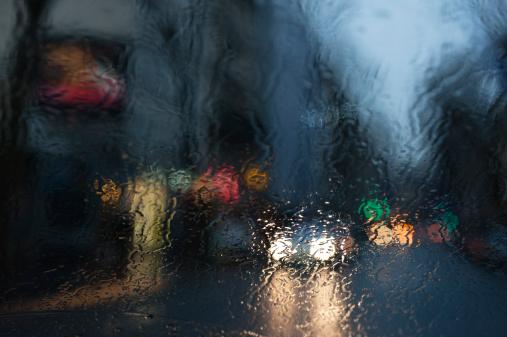雨「City street viewed through rain covered window」:スマホ壁紙(6)