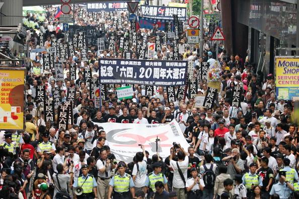 大量殺人「Hong Kong Marks 20th Anniversary Of The Tiananmen Square Massacre」:写真・画像(6)[壁紙.com]