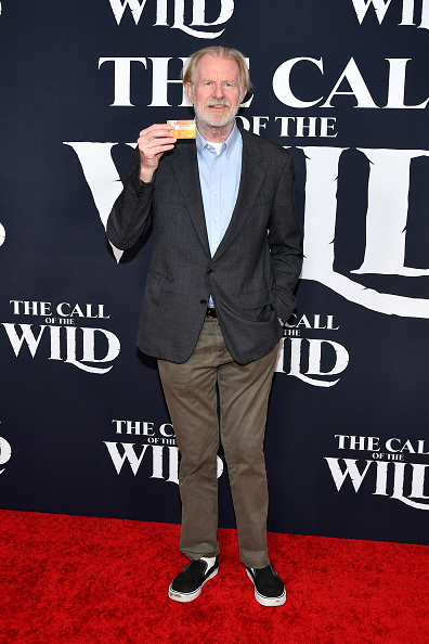 "Film Premiere「Premiere Of 20th Century Studios' ""The Call Of The Wild"" - Arrivals」:写真・画像(9)[壁紙.com]"