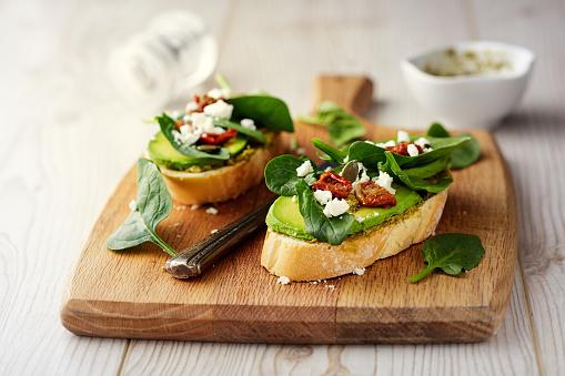 Avocado「Healthy Spinach and avocado bruschetta」:スマホ壁紙(1)